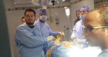 بالصور.. أطباء من جامعة المنصورة ينجحون فى استئصال رحم بالمنظار فى دمياط