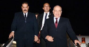 الفريق محمود حجازى يعود إلى أرض الوطن بعد زيارة رسمية إلى الكويت