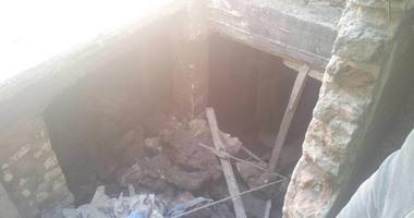 القبض على 4 عمال وربة منزل أثناء تنقيبهم عن الآثار داخل منزل بعين شمس