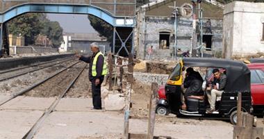 """السكة الحديد:""""توك توك"""" يتسبب فى تأخير القطار المتجه من أسوان إلى القاهرة"""