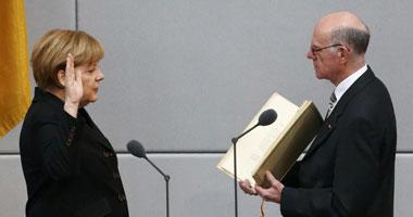 ميركل تؤدى اليمين الدستورية كمستشارة لألمانيا