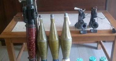 """ضبط 236 قطعة سلاح بينها """"أربى جى"""" و""""جرينوف"""" في مداهمات أمنية"""