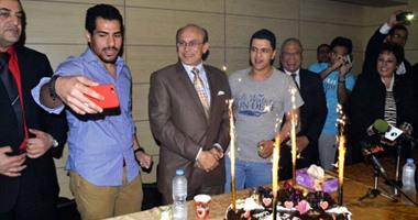 """بالصور.. """"الأكاديمية العربية"""" تحتفل بعيد ميلاد محمد صبحى"""