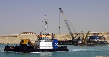 مصدر: رفع 94 مليونًا و500 ألف متر مكعب من الرمال المبللة بقناة السويس