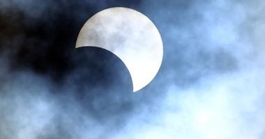 معهد الفلك: 21 أغسطس يشهد أكبر ظاهرة كسوف كلى للشمس منذ 38 عاما