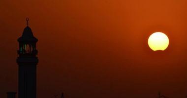 مصر تشهد الآن كسوفا جزئيا للشمس ينتهى فى الثانية عشرة والنصف ظهراً |