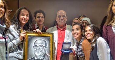 بالصور.. الموسيقار جمال سلامة يبكى أثناء تكريمه بالأكاديمية العربية