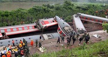 إصابة 15 شخصا جراء خروج قطار عن مساره شمال الهند