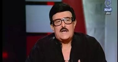 معتز الدمرداش: دلال عبدالعزيز أكدت معاناة سمير غانم من آلام حادة بالمعدة