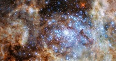 علماء الفلك يعثرون على 9 نجوم عملاقة أكثر إشراقا من الشمس 30 مليون مرة