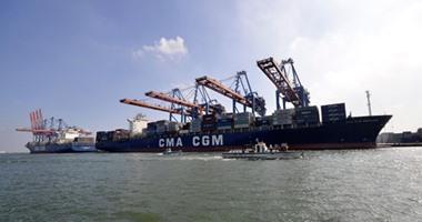 وصول 24 سفينة بمينائى شرق وغرب بورسعيد خلال 24 ساعة