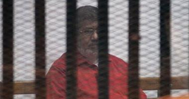 """إيداع المتهمين بـ""""التخابر مع قطر"""" قفص الاتهام تمهيداً للنطق بالحكم عليهم 3201621134425361IMG_4179"""