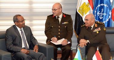 اجتماع وزراء الدفاع يوافق على إنشاء مركز لمكافحة الإرهاب واختيار مصر مقرا له