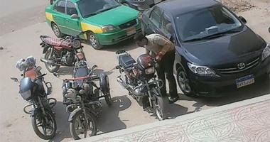حبس عاطل لسرقتة الدراجات النارية بالزيتون