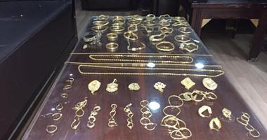 حبس المتهم بسرقة مشغولات ذهبية من شقة صاحب شركة بالجمالية 4 أيام