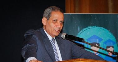 """وزير التعليم: """"زيادة المنح لطلاب مدارس المتفوقين.. ونحلم بتعميم التجربة"""""""