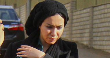 """وقف سير محاكمة مريهان حسين وضابطى الهرم بقضية """"الكمين"""" للفصل فى رد المحكمة"""