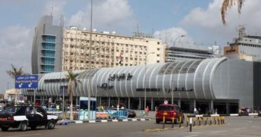 وصول رحلتى القطرية وإير كايرو إلى مطار القاهرة بعد فتح المجال الجوى
