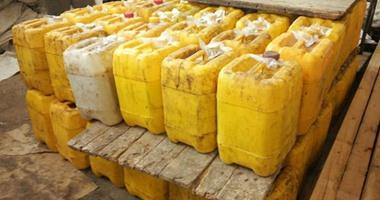 القبض على صاحب مصنع لاتهامه بتجميع زيوت طعام مجهولة المصدر بالجيزة