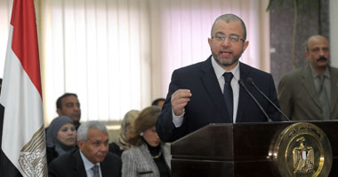 """2 أبريل.. الحكم فى دعوى عزل قنديل لعدم تنفيذه حكم عودة """"طنطا للكتان"""""""