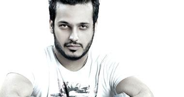إيساف يتأخر عن حفل انتهاء تصوير فيلمه عايشين اللحظة اليوم السابع