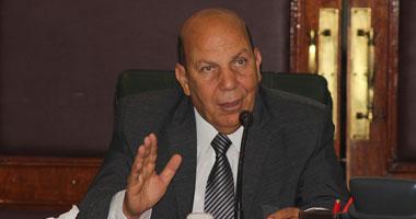 وزير التنمية المحلية عادل لبيب