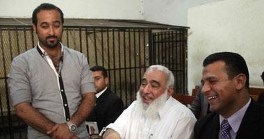 """دفاع """"أبو إسلام"""" يطالب بلجنة من كليتى اللاهوت ومقارنة الأديان بالأزهر"""