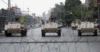 إخوان بنى سويف يستولون على مبنى المحافظة ومدرعة للجيش