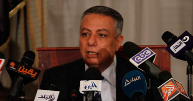 """""""أبو النصر"""" يصل إلى مقر اتحاد طلاب مصر لمناقشة خطة تطوير التعليم"""