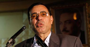 رئيس اتحاد العمال يزور عمال كرستال عصفور المعتصمين