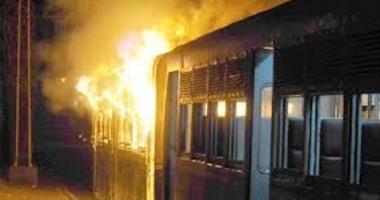 انتداب المعمل الجنائى لمعرفة أسباب حريق قطار ركاب بنها