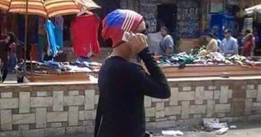 صور شاب يرتدى ملابس حريمى تثير الجدل بين المواطنين