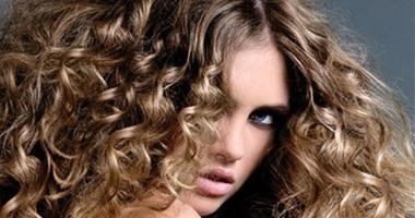 PANET   تسريحات الشعر المجعد لا تدوم لهذه الأسباب .