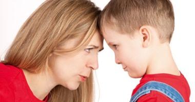 """فيديو معلوماتي.. """"أنا أم"""".. لو ابنك عنيد إزاي تتعاملي معاه"""