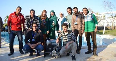 الطلاب مع اختراعهم