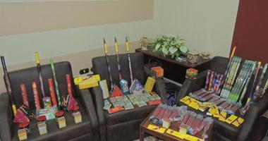 ضبط 5405 صواريخ ألعاب نارية بحوزة 3 أشخاص بمطروح