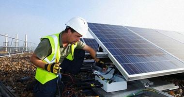 بطاريات ذكية تمكنك من تشغيل منزلك ليلا بالطاقة الشمسية