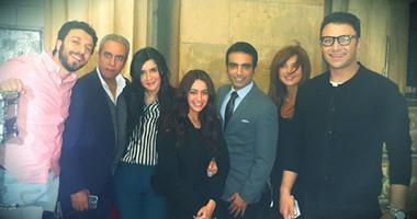 """فريق عمل مسلسل """"الميزان"""" يحتفلون بعيد ميلاد الفنانة هند عبد الحليم"""