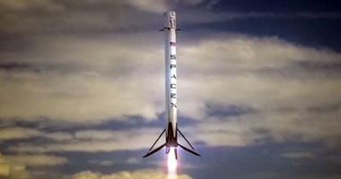 بالفيديو.. لحظة الهبوط التاريخية لصاروخ فالكون 9 وسط المحيط
