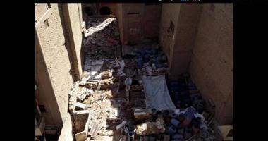 صحافة المواطن.. قارئ يرسل صورا لمصنع طرشى وسط النفايات