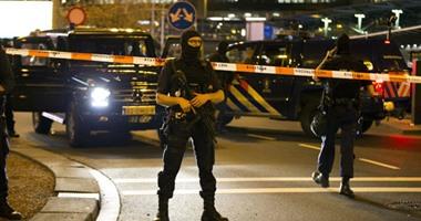 صور.. مسلح يحاول اختطاف طائرة فى مطار سخيبهول بأمستردام وهلع بين المسافرين