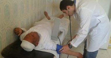 قافلة طبية بقرية النزلة بساحل سليم والكشف على 1362 مريض خلال يومين