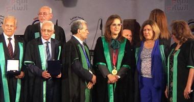"""بالفيديو والصور.. جابر نصار: كلية """"سياسة واقتصاد"""" دليل على تفرد المرأة المصرية والعربية"""