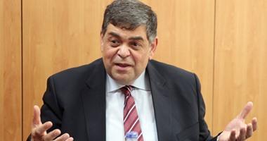 الدكتور أشرف حاتم عضو لجنة الفيروسات بوزارة التعليم العالى