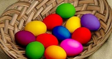حافظى على صحة أطفالك بالألوان الطبيعية..طرق صحية لتلوين البيض فى شم النسيم