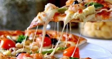 طريقة عمل البيتزا الإيطالى بالخطوات اليوم السابع