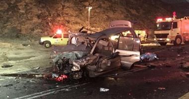 صور حادث مصرع 15 شخصا فى تصادم مرورى بمنطقة عسير جنوب السعودية
