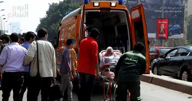 """مصرع عامل وإصابة 2 آخرين فى حادث تصادم """"توك توك"""" ودراجة بخارية بالفيوم"""