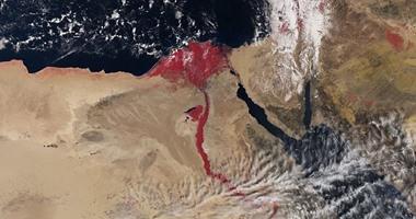 """صحيفة إسرائيلية عن صورة فضائية للنيل:يذكرنا بقصة """"الضربات العشر"""" بعهد موسى"""
