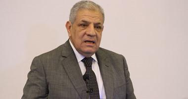 """""""محلب"""" يغادر القاهرة لحضور حفل تنصيب رئيس غينيا الاستوائية  420169104229161hussein-tallal9"""